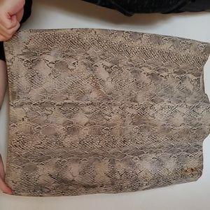 Beautiful Snake skin leather skirt worn 2xs